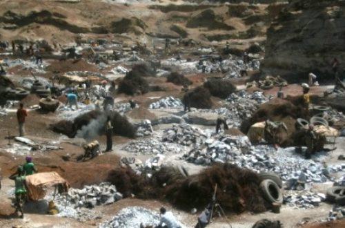 Article : Concassage de granite à Ouagadougou: le travail de titan des femmes