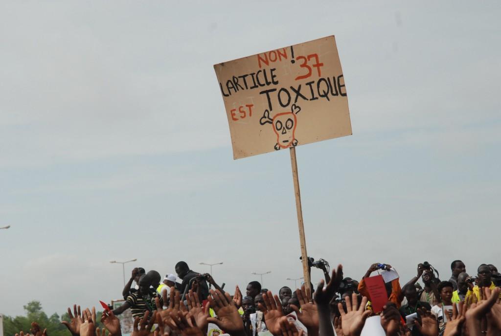 Les Burkinabè demandaient juste le respect de l'article 37 de la constitution burkinabè. A la fin, ils ont exigé et obtenu le départ du Président Blaise Compaoré