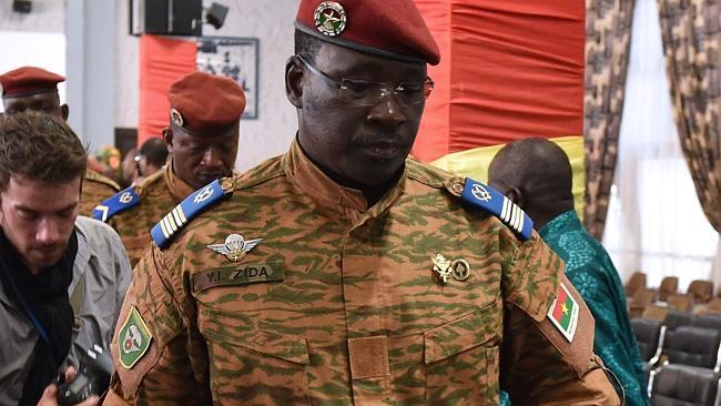 Isaac Yacouba Zida doit limoger tous ceux qui sont supposés être proches du régime Compaoré (news.com.au)