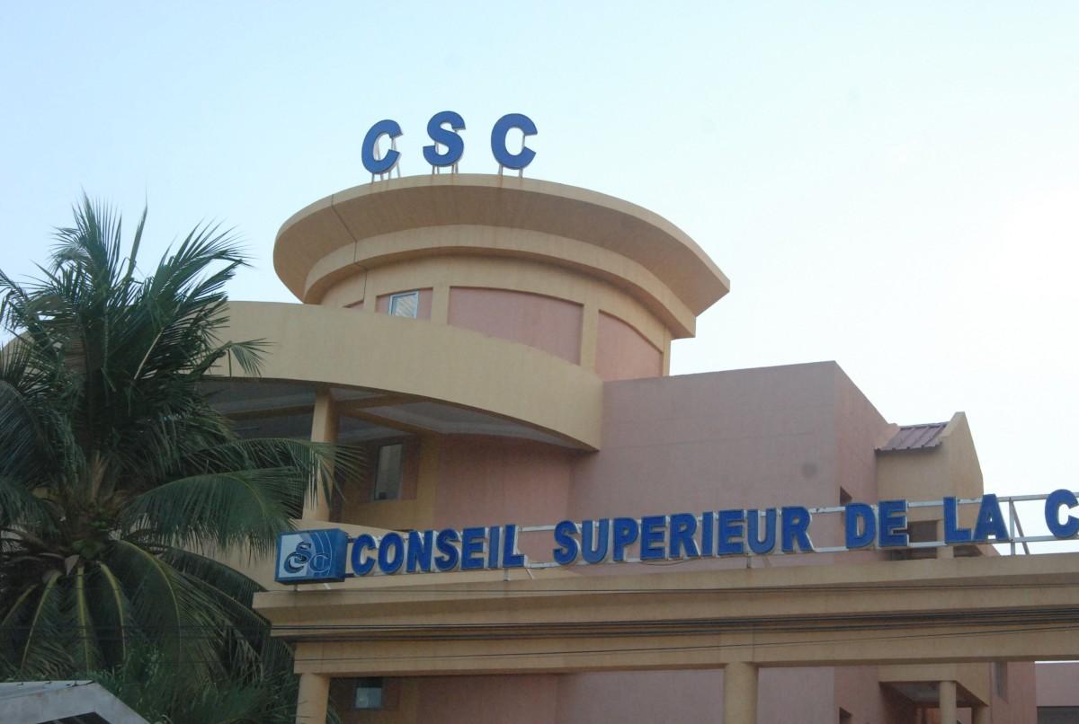 Le siège du Conseil Supérieur de la Communication (CSC)-Photo prise après que le service de sécurité ait relevé les références de mon passeports