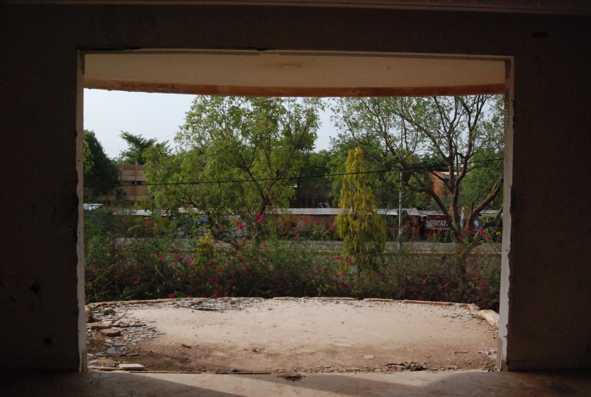 Depuis cet endroit, François Compaoré pouvait voir ce qui se passait à l'Université de Ouagadougou de l'autre du goudron