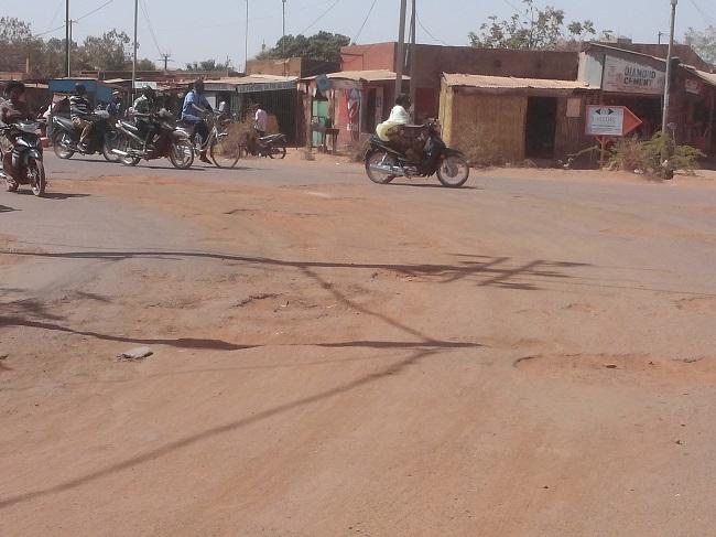 Presque toutes les routes sont dégradées à Ouagadougou