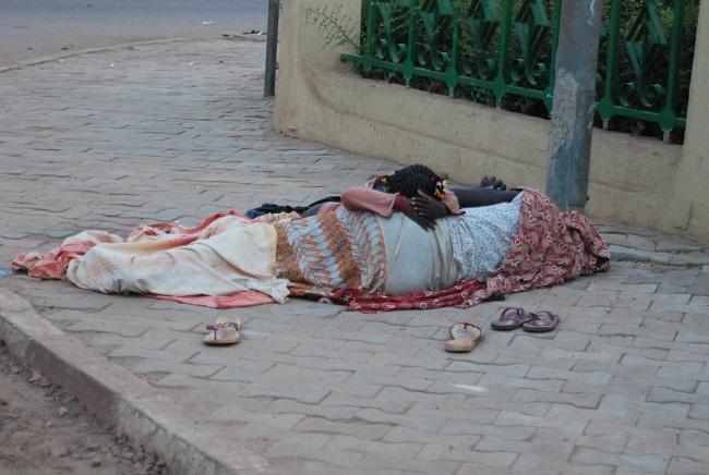 femme pauvre pauvrété