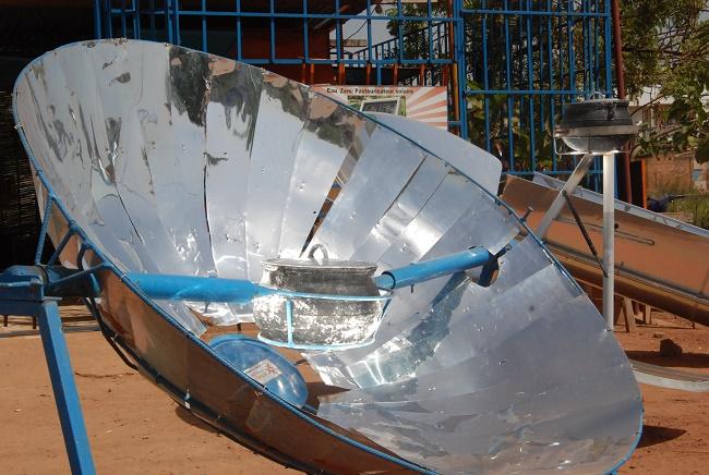 Ce cuiseur solaire nommé SK14 permet une cuisson rapide