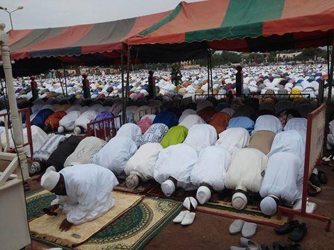 A la place de la nation de Ouagadougou, les musulmans ont prié pour la fête de l'Aïd El Fitr