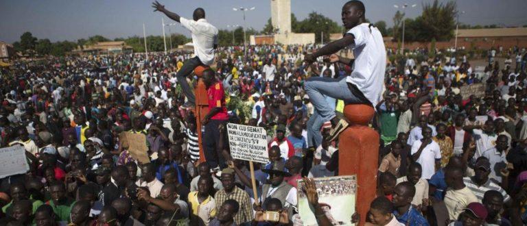 Article : Réformes constitutionnelles : vers une veille des blogueurs, journalistes et société civile