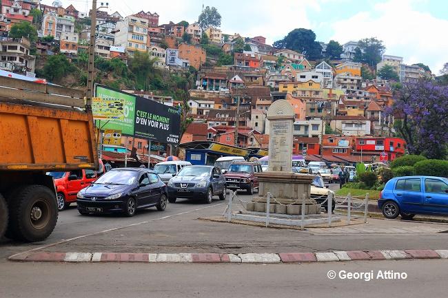 Belle ville, Antananarivo cache beaucoup de misère