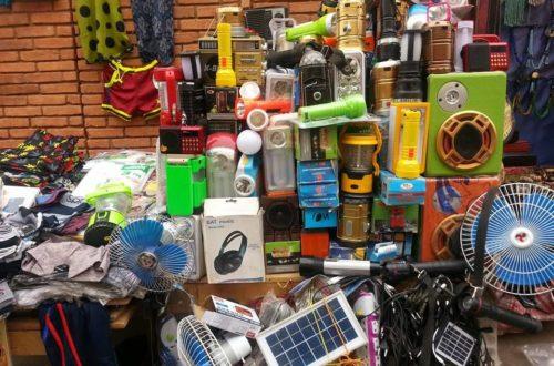 Article : A Ouagadougou, le marché des lampes solaires se développe